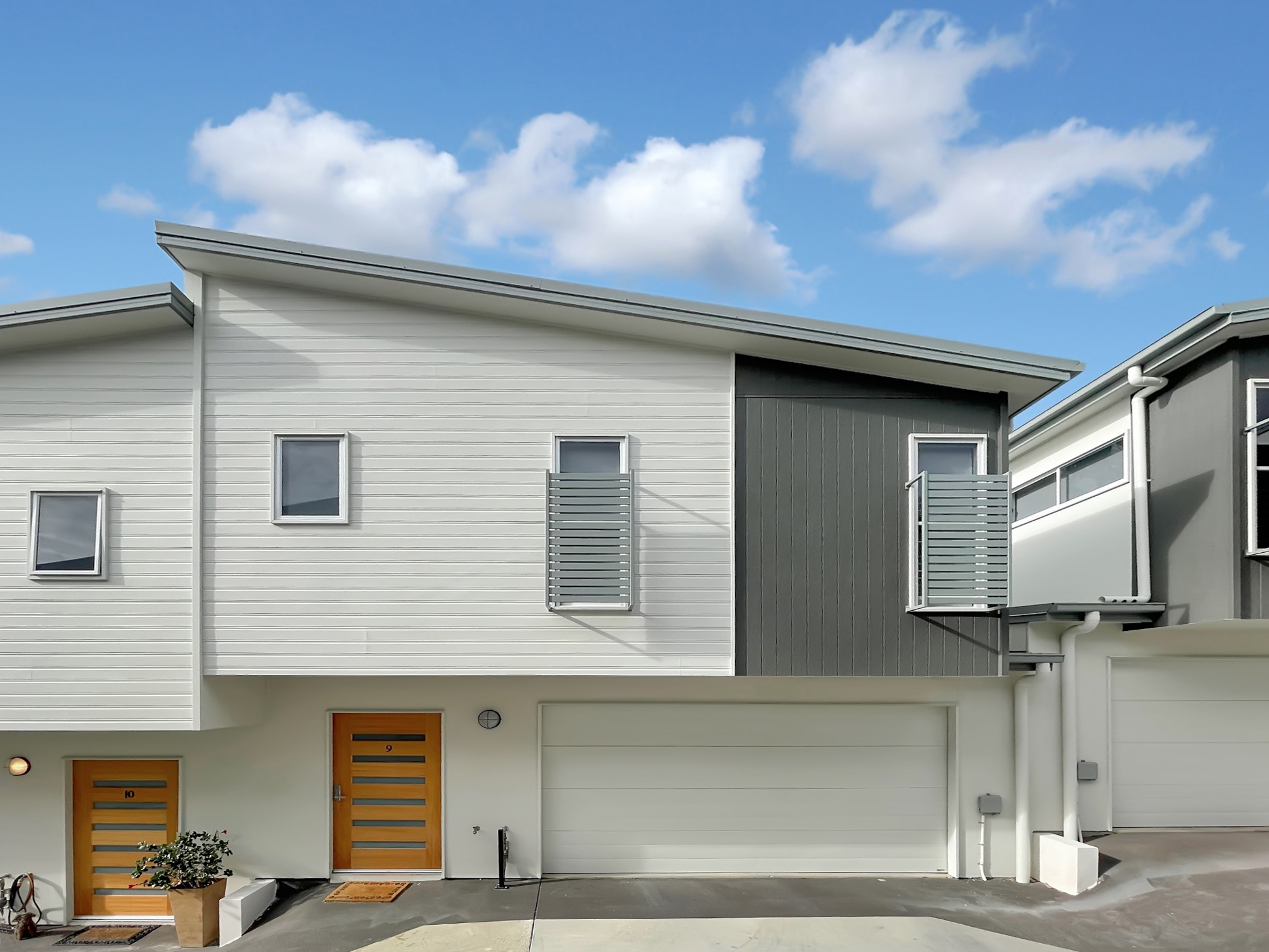 UNDER CONTRACT - 9/70 Rogers Parade West, Everton Park